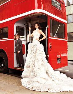 Anne Hathaway Style Pictures – Fashion Photos of Anne Hathaway - Harper's BAZAAR