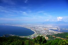 Da Nang City, one of the most dynamic cities in Vietnam. Beautiful beaches (yes, all the beaches in the Middle of Vietnam are so so so beautiful), great food, mixed culture. I've been here only once, but will come back on Jul 2014 (and more in the future).
