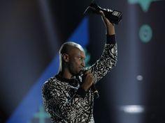 FCO - A BÚSSOLA: Celebrando os anos 90, Prêmio Multishow 2014 relembra sucessos e consagra Thiaguinho e Luan Santana