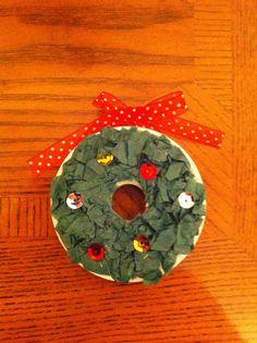 Kids Christmas craft using empty ribbon spool
