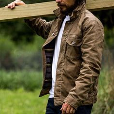 SZ: L // Flint and Tinder Flannel-lined Waxed Trucker Jacket Rugged Style, Style Men, Mens Wax Jackets, Leather Jackets, Men's Jackets, Mens Outdoor Fashion, Picnic Outfits, Men's Outfits, Hipster Outfits