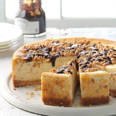 Fantastic Toffee Cheesecake Toffee Cheesecake, Cheesecake Recipes, Cookie Recipes, Cheesecake Cake, Snack Recipes, Chewy Chocolate Chip Cookies, Toffee Cookies, Chocolate Cake, Cheesecakes