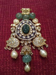 Irresistible Best Collection of Rings Ideas Bridal Jewelry Jewellers Reveal: The One Bridal Jewellery Trend You Should Know About! Indian Wedding Jewelry, Bridal Jewelry, Beaded Jewelry, Gold Jewelry, Diamond Jewellery, Clay Jewelry, India Jewelry, Jewelry Shop, Jewelry Stores