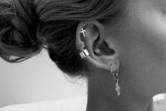 Hot or not: meerdere oorpiercings in een oor