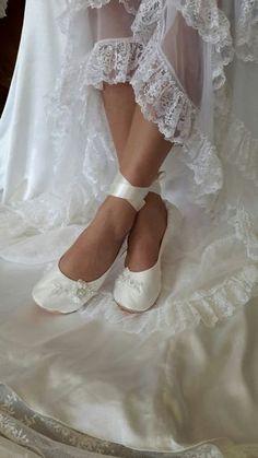 Lace Ballerina Style Bridal Shoe Ivory Lace Flat Wedding Shoe Lace