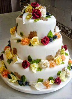 I have been designing and producing high quality wedding and celebration cakes for over 30 years after undergoing an apprenticeship and training in a high class confectionery business. Beautiful Wedding Cakes, Beautiful Cakes, Amazing Cakes, Happy Birthday Wishes Cake, Happy Birthday Cake Images, Bolo Floral, Floral Cake, Birthday Cake Writing, Traditional Wedding Cakes