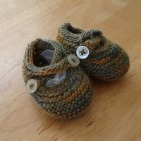 Free baby booties knitting patterns. Knit up some adorable baby booties to keep those little feet warm and cozy. Making your own booties for babies...