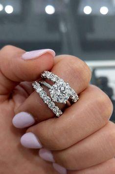 Top Engagement Rings, Beautiful Engagement Rings, Beautiful Rings, Most Popular Engagement Rings, Big Wedding Rings, Elegant Wedding Rings, Dream Wedding, Wedding Rings Stackable, Wedding Rings For Women