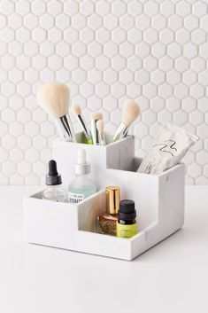 Shop Marble Organizer Tray at Urban Outfitters today. Organizer Makeup, Make Up Organizer, Makeup Drawer Organization, Makeup Brush Holders, Bathroom Organization, Organization Ideas, Diy Beauty Organizer, Makeup Brush Storage, Cosmetic Storage