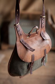 crossbody bag – Notless Orequal – Join in the world of pin Leather Pouch, Leather Men, Leather Purses, Leather Backpack, Leather Handbags, Leather Bags Handmade, Leather Projects, Leather Accessories, Canvas Leather