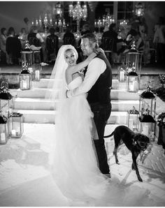 Blake Shelton Gwen Stefani, Blake Shelton And Gwen, Gwen Stefani And Blake, Vera Wang Gowns, Vera Wang Dress, Kelly Clarkson, Gwen And Blake, Vera Wang Wedding, Oklahoma Wedding