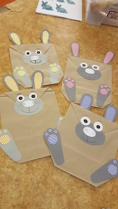 Paper bag rabbits craft for kids. Easter Crafts, Crafts For Kids, Rabbit Crafts, Spring Activities, Spring Crafts, Projects To Try, Bunny, Wraps, Wrapping