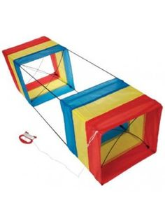 Traditional stripey box kite 100 x 30 x 30cm fabric kite in a gift box great fun for all ages.Comes flat packed with full intructions to get you flying quickly and safely, easy assembly.