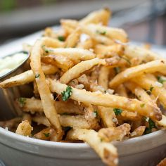 garlic, parmesan & chili fries with homemade aioli.reminds me of Pommes Frites at Disneyland. Comfort Foods, Homemade Aioli, Great Recipes, Favorite Recipes, Cooking Recipes, Healthy Recipes, Drink Recipes, Cooking Tips, Tasty