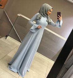 Abaya Fashion, Muslim Fashion, Fashion Dresses, Fashion Muslimah, Hijab Style, Hijab Chic, Hijab Dress, Hijab Outfit, Muslimah Wedding Dress
