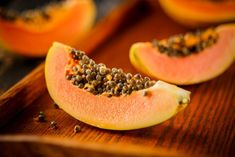 Learn about the benefits of Papaya for human body and health. We tell about all the advantages for health and its side effects papaya fruits. Healthy Soup Recipes, New Recipes, Vegetarian Snacks, Snack Recipes, Dessert Recipes, Papaya For Skin, Papaya Recipes, Perder 10 Kg, Skinny Recipes