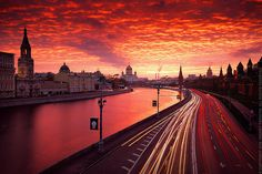 The Amazing Red Sunset - Moscow, Russia. Photo by Andrey Permitin Napoleon Hill, Pictures Of Russia, Places Around The World, Around The Worlds, Place Rouge, Amazing Photography, Travel Photography, Cool Pictures, Cool Photos
