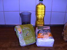 Slané grahamové paličky (fotorecept) - obrázok 1 Graham, Cleaning Supplies, Soap, Dishes, Bottle, Basket, Cleaning Agent, Tablewares, Flask