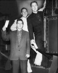 Johnny Burnette Rock 'n' Roll Trio. click then click again for LGE pic 50s Vintage, Vintage Images, Those Were The Days, Country Blue, Rock N Roll, Rockabilly, Blues, Suit Jacket, Hero