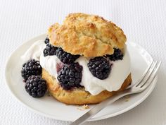Simple almond shortcakes with blackberries ... Breakfast Club