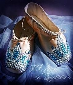 Cute ideas of how to decorate your old pointe shoes