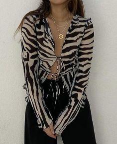 Aesthetic Fashion, Look Fashion, Aesthetic Clothes, 90s Fashion, Fashion Outfits, Fasion, Fashion Rings, Looks Street Style, Looks Style