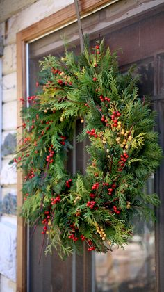 Make Your Own Christmas Wreath This Holiday! Christmas Wreaths For Front Door, Xmas Wreaths, Christmas Porch, Primitive Christmas, Outdoor Christmas Decorations, Rustic Christmas, Christmas Holidays, Merry Chritsmas, Xmax