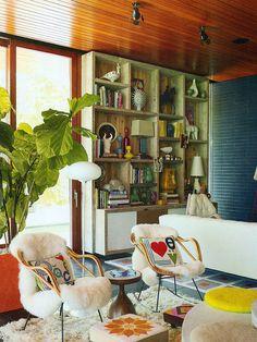 Living e poltronas com almofadas Fotógrafo: Richard Powers Fonte: Elle Decoration UK agosto 2013