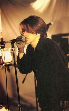 hyde In that year I was He was 28 years old. Short Hair Cuts, Short Hair Styles, Asian Eyes, Gackt, King Of Music, Japanese Artists, Visual Kei, Hard Rock, Rock Bands