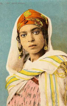 endilletante: An Algerian Woman by The Nite Tripper ☾✩ on Flickr.
