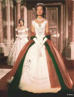 "Romy Schneider ""Sissi"" The costumes were designed by Leo Bei, Gerdag and Franz Szivats. Romy Schneider, Vintage Beauty, Princesa Sissi, Impératrice Sissi, Empress Sissi, Vintage Outfits, Vintage Fashion, Movie Costumes, Moda Fashion"