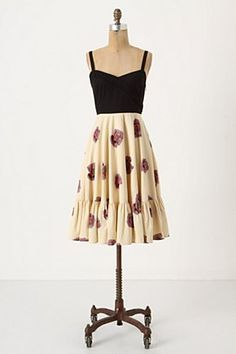 This so precisely suits the dress shape I want to populate my wardrobe with (as I've mentioned before). Interesting fitted bodice, fuller skirt. I think the bodice on this one is really sexy. Savoy from Anthropologie.