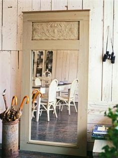 Repurposed door turned into a lovely mirror. Designs: New Takes On Old Doors: Salvaged Doors Repurposed Salvaged Doors, Old Doors, Repurposed Doors, Painted Furniture, Diy Furniture, Repurposed Furniture, Furniture Makeover, Recycled Door, Build A Frame