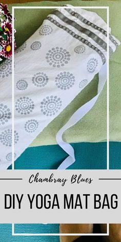 Make Your Own Yoga Mat Bag - Chambray Blues Sewing Sewing Blogs, Easy Sewing Projects, Sewing Projects For Beginners, Sewing Tutorials, Sewing Ideas, Tote Pattern, Bag Patterns To Sew, Sewing Patterns, Diy Clothes Accessories