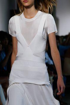 Calvin Klein Collection Spring 2016 Ready-to-Wear Fashion Show - Frida Westerlund