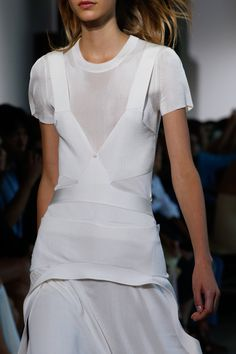 Calvin Klein Collection Spring 2016 Ready-to-Wear Fashion Show - Frida Westerlund
