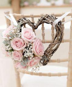 Estrellas y corazones de mimbre para decorar tu boda