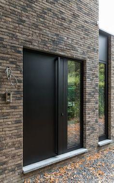 Modern Entrance Door, Modern Exterior Doors, Modern Door, House Entrance, Entrance Doors, Victorian Terrace House, Front Door Handles, Bungalow Exterior, House Front Door