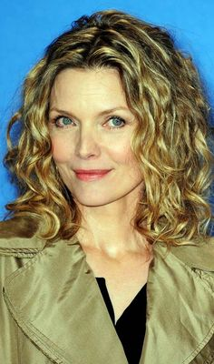8 Simple Curly Hairstyles For Women Over 40
