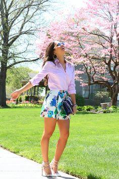 Camisa social rosa e short floral , look super leve ,  elegante  e confortáve!l   《pinterest: @Lariifreitas 》