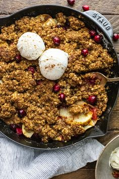 This oatmeal apple cranberry crisp is such a delight no matter the occasion! This healthy vegan dessert is filled with sweet apples, tart cranberries, and the best oatmeal crumble topping that's naturally sweetened. We love this apple dessert - especially served warm with cold ice cream! YUM. | asimplepalate.com #applecrisp #cranberries #dessert #oatmeal #vegan Apple Crisp With Oatmeal, Apple Cranberry Crisp, Best Oatmeal, Healthy Vegan Desserts, Apple Desserts, Easy Desserts, Dessert Recipes, Oatmeal Crumble Topping, Butter Substitute