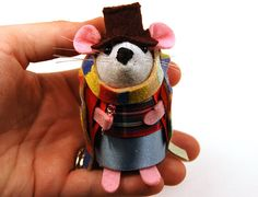 Doctor Who Tom Baker ornament felt mouse hamster rat mice cute gift for animal lover or dr who fan collector - via Etsy. Doctor Who Christmas, Christmas Diy, Christmas Decorations, New Doctor Who, 4th Doctor, Jelly Babies, Felt Mouse, House Mouse, Funny Outfits