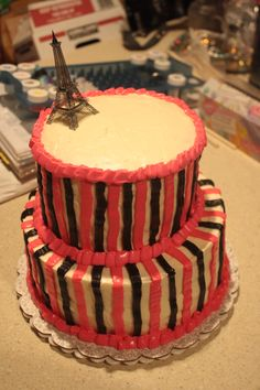 Paris cake with Cream Cheese Frosting
