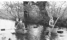 rowing with a washtub! Wash Tubs, Rowing, The Good Old Days, Art For Kids, Art Children, Holland, Dutch, The Neighbourhood, Painting