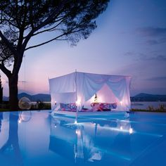 Swimming Pool With Romantic Outdoor Canopy Bed Design home trends design photos, home design picture at Home Design and Home Interior Canopy Bedroom Sets, Canopy Bed Curtains, Pool Canopy, Garden Canopy, Beach Canopy, Backyard Canopy, Fabric Canopy, Diy Canopy, Dream Rooms