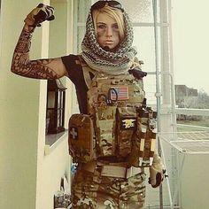 Valkyrie from Rainbow Six Siege Cosplay Rainbow Six Siege Art, Rainbow 6 Seige, Rainbow Six Siege Memes, R6 Wallpaper, Female Soldier, Military Women, Girls Uniforms, Badass Women, Best Cosplay