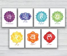 Hermosa colección de arte de la pared de Chakra como los siete símbolos de chakra y su significado que están seguros de traer un montón de color a tu área de meditación. El set incluye siete Chakra impresiones y está disponible en muchos tamaños perfectos para sus necesidades. La compra de este anuncio es para todos siete Chakra símbolos pared impresiones artísticas con las siguientes especificaciones y detalles: Tamaños: Desde 5 x 7 pulgadas hasta 20 x 24 pulgadas Papel: Lustre papel…