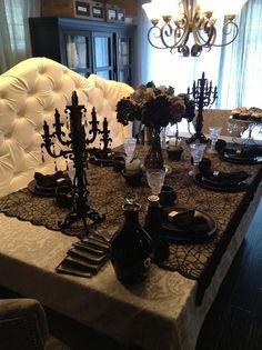 Elegant Halloween Tablescaping| Halloween table décor ideas| black and silver Halloween