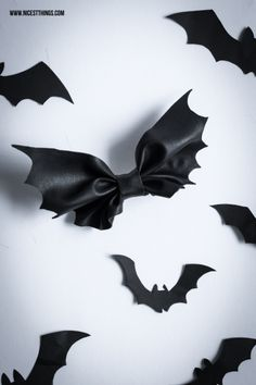 DIY Bat Bow Tutorial from Nicest Things. Make this Halloween DIY Bat Bow from leather or pleather. This site is in German but there is a translate button and also a good illustrated tutorial.