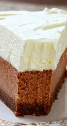 Mexican Dessert Recipes Discover Milk Chocolate Cheesecake Perfectly creamy smooth and delicious. Just Desserts, Delicious Desserts, Yummy Food, Health Desserts, Cheesecake Recipes, Dessert Recipes, Chocolate Mousse Cheesecake, Birthday Desserts, Homemade Chocolate